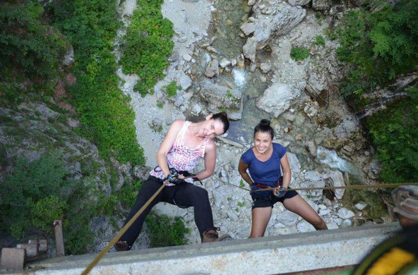 Turism de aventura la RUNCU – Cheile Sohodolului –  BOOST de adrenalina cu instructor recunoscut de ONU