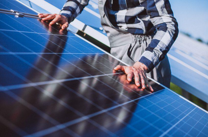 Patru parcuri fotovoltaice, finantate prin Fondul de Modernizare la Complexul Energetic Oltenia