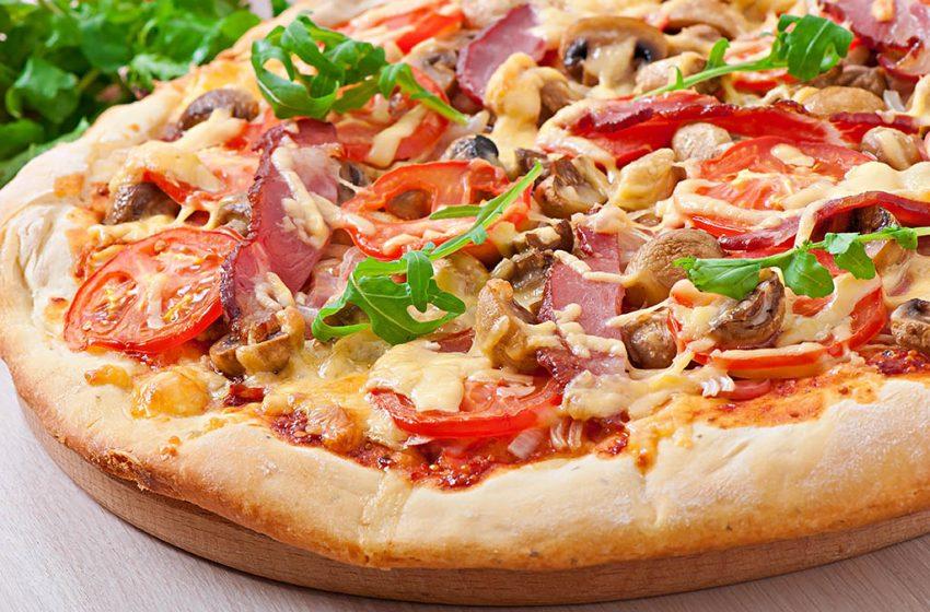 Pizzeria Tip-Top deschide acum usa clientilor