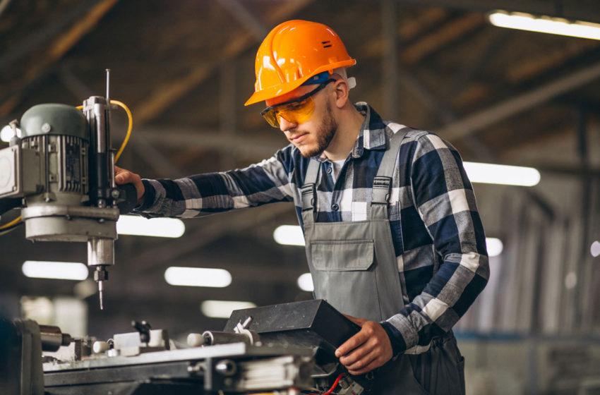 Preturile productiei industriale au scazut cu 0,7% in august, fata de august 2019, conform INS