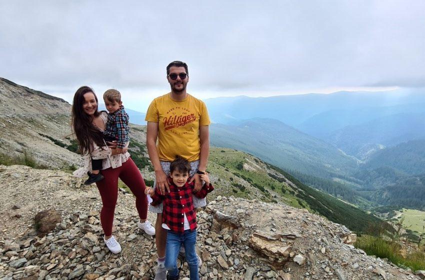 """""""Turismul este despre experiențe, despre oamenii pe care îi întâlnești, despre diferențele între culturi, despre curiozitatea de a descoperi și testa lucruri noi"""" –  Interviu cu Răzvan Pascu"""