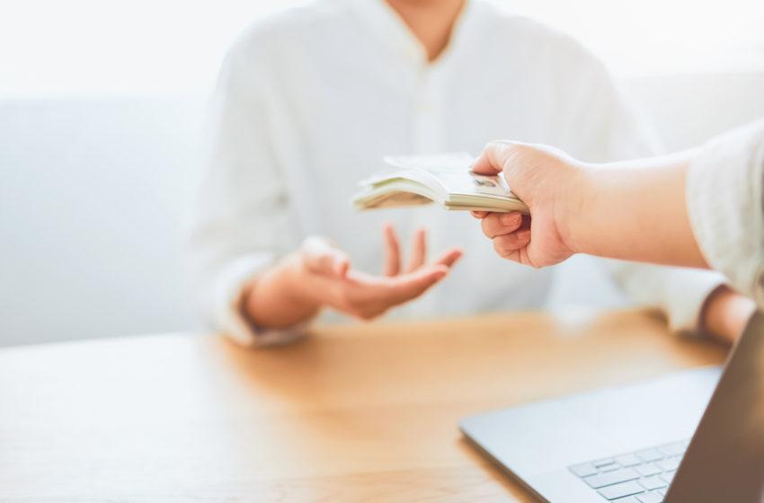 Salariul mediu net pe economie a inregistrat in 2020 o crestere de 8,4%