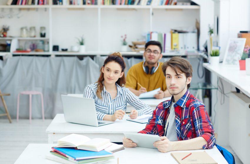 Au inceput inscrierile la FinClub, club online de educatie financiara pentru elevii de liceu