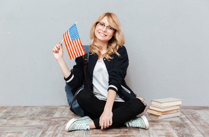 Liceenii din Romania pot studia un an in SUA